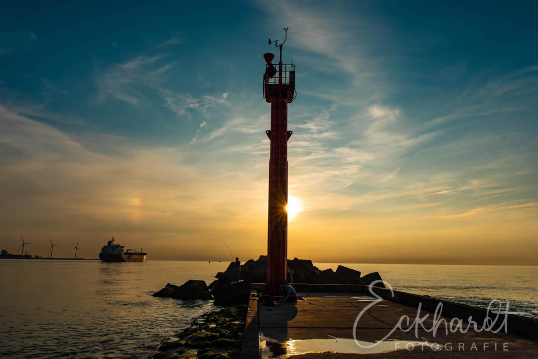 Zonsondergang bij Hoek van Holland