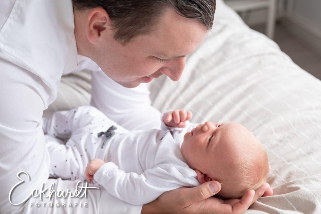 Lifestyle newborn fotografie Den Haag