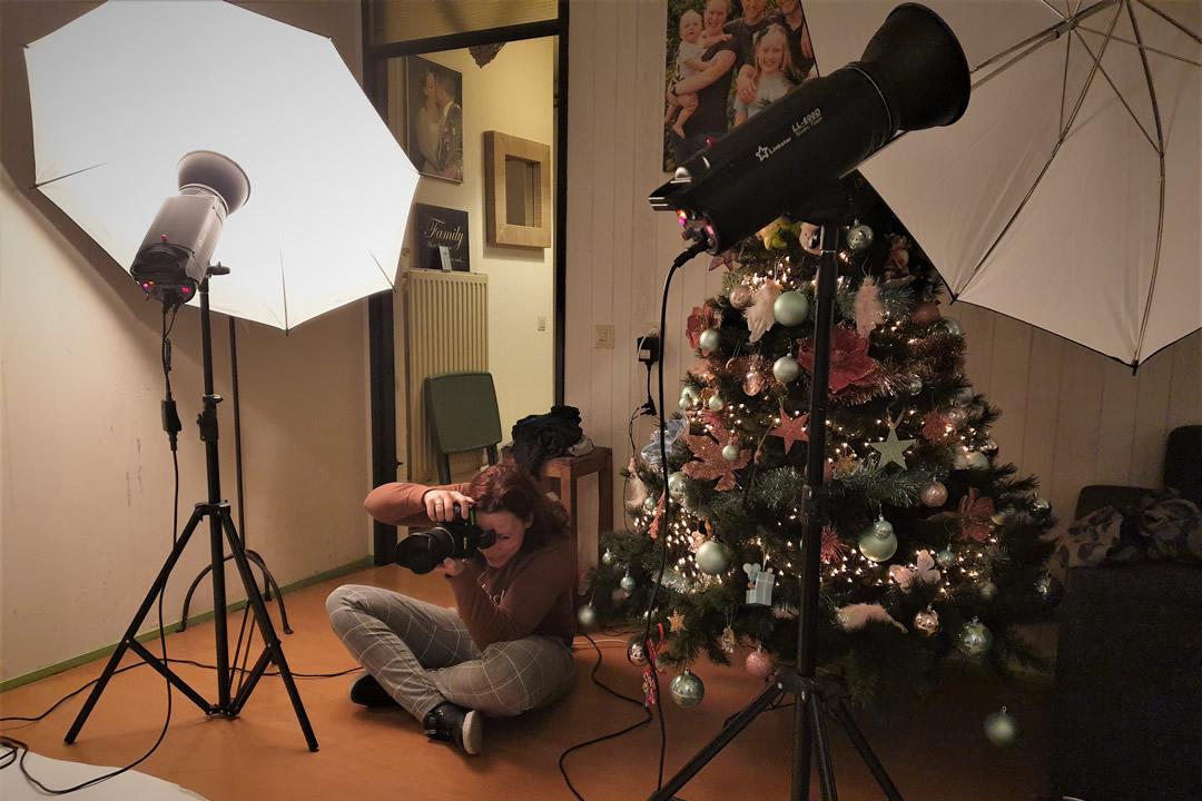 Onder toeziend oog van de kerstboom